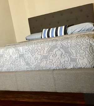 New Gray Tufted Queen Bed