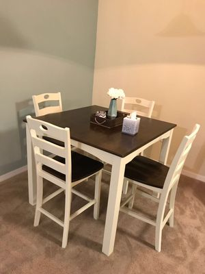 Very Clean Dining Table