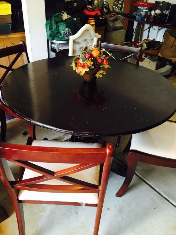 Dining room table dining room chairs furniture in lemont for R way dining room furniture