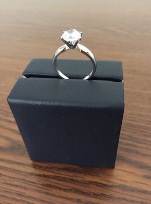 DIAMOND RING LAB SIMULATED  NEW 1.45 CARAT  SIZE 7  14K WHITE GOLD OVER SILVER   CLARITY VVS1   COLOR D