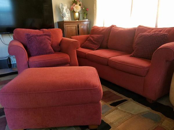 Nice sofa set furniture in everett wa offerup for Sectional couches everett wa