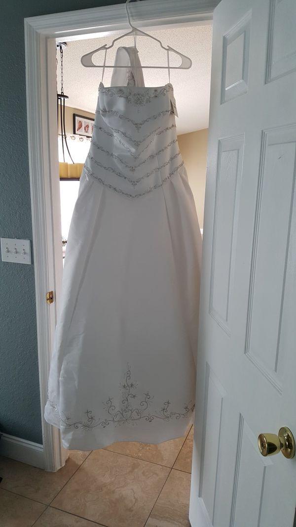 Wedding dress (Clothing & Shoes) in Lakeland, FL