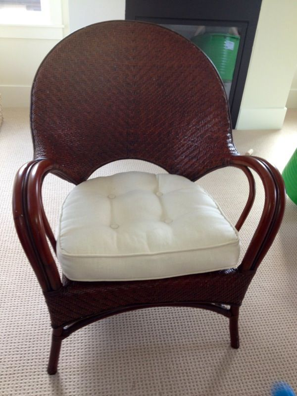 Pier one wicker chair furniture in bellevue wa offerup for Furniture in bellevue