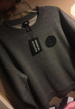 H&M SWEATER (XO) THE WEEKEND SIZE L