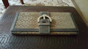 Used Coach wallet, check out my other items on this app text me for more information gaithersburg Maryland 20877