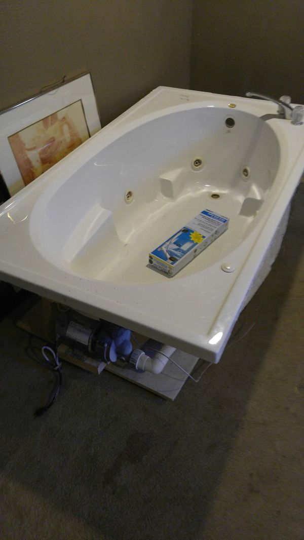 Jetta Jacuzzi tub works (Appliances) in Independence, MO