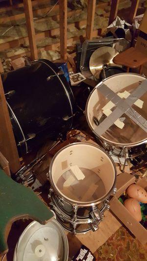 Old fender drum kit