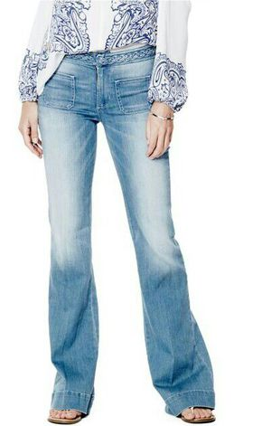 *Guess* Lightwash Bell Bottom Flare Jeans size 27