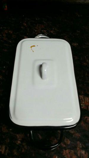 Vintage porçelain enamal w lid covered baking refrigerator dish