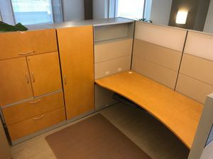 Deluxe office workstation cubicals