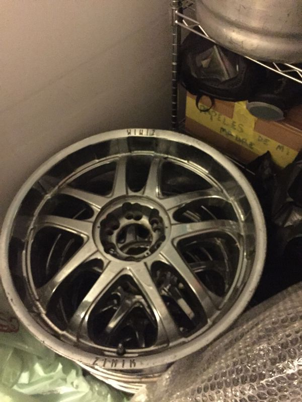 Selling my rims 22\'s (Auto Parts) in Chicago, IL