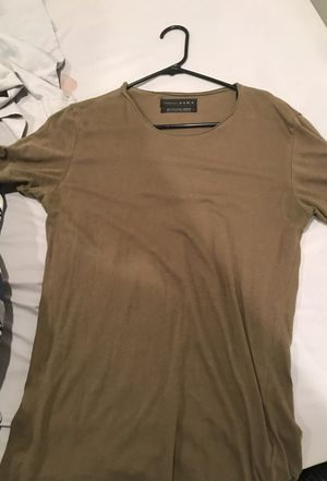 Great condition Zara essential deluxe T-shirt