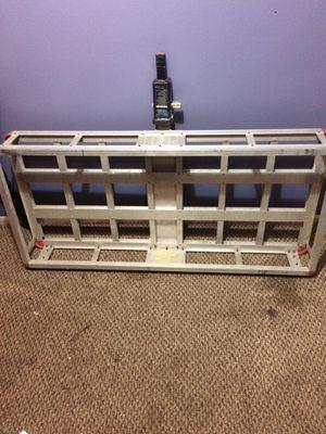 Porta maletas de aluminio del que se pone donde van para jalar trallas asoló $110