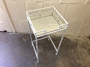 Urban chic metal pipe/mirror end table