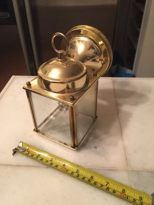 Small brass outdoor light/lamp