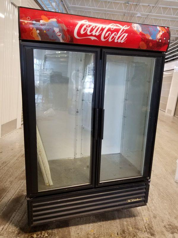 True gdm 49 coca cola 2 door glass door coolerrefrigerator true gdm 49 coca cola 2 door glass door coolerrefrigeratormerchandiser business equipment in chicago il planetlyrics Choice Image