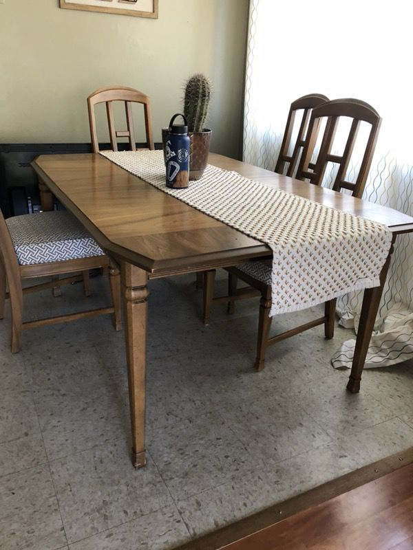 MCM Mid Century Modern Dining Table. 8 reupholstered chairs ...