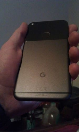Google pixel xl 32 gb factory unlocked + Samsung gear S2