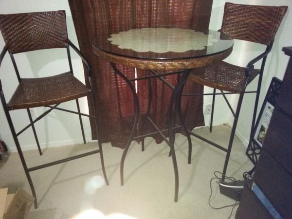 Wicker Glass Top Table With 2 Chairs. Bar Height. Nice