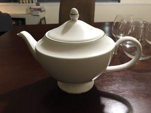 Wedgewood Signet Platinum tea pot