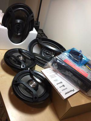 Brand New Pioneer Car Radio Stereo and 4 Door Speakers