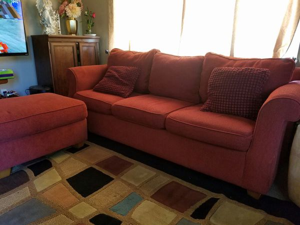 Nice sofa set furniture in everett wa offerup for Bedroom furniture 98203