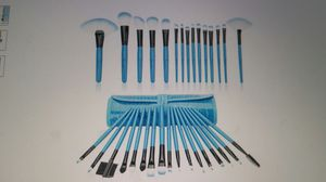 32 Piece Professional Brush Set, comes with carrying case