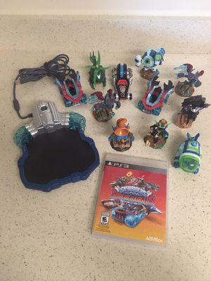 PS3 Skylanders Supercharges 11. skilanders incluides.