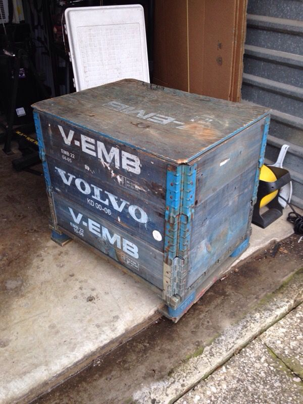 Volvo V-EMB Foldable Modular Wood Crate Container ...