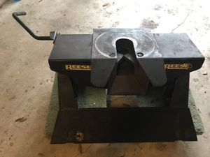 Reese 5th Wheel Hitch.
