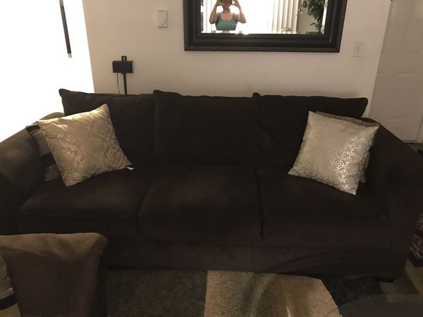 Brown couch Furniture in Kent WA ferUp