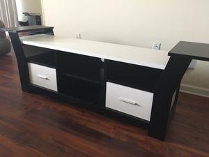 Tv stand / entertainment center