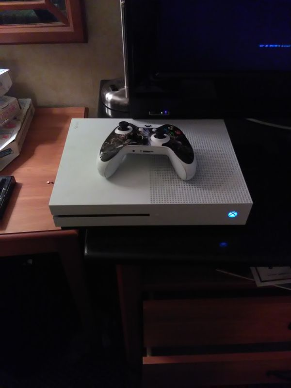 Xbox One Slim 500gb With 5 Games