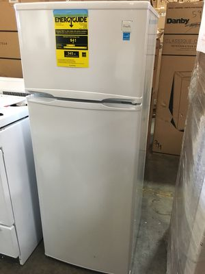 Apartment size refrigerator freezer 7.4 Cu Ft NEW! Avanti ...