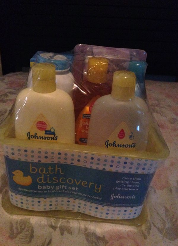 Baby bath set. (Baby & Kids) in Cleveland, OH