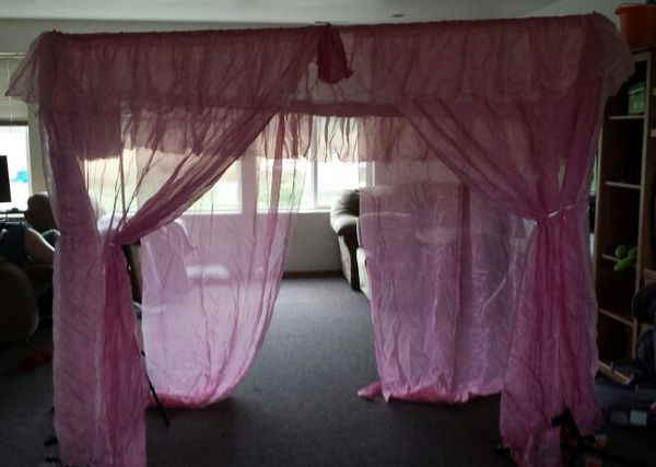Twin Bed Canopy Curtain Baby Kids In Monroe Wa Offerup