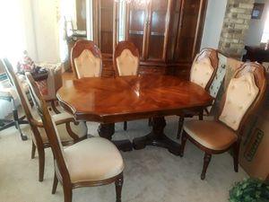 Hibriten Dining Room Set