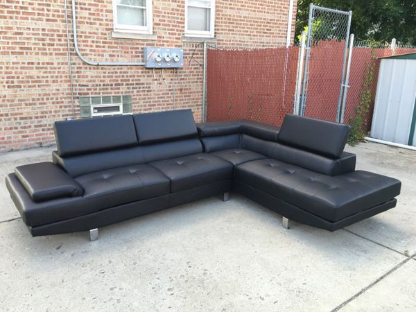 Sofa furniture in chicago il offerup for Furniture 60614