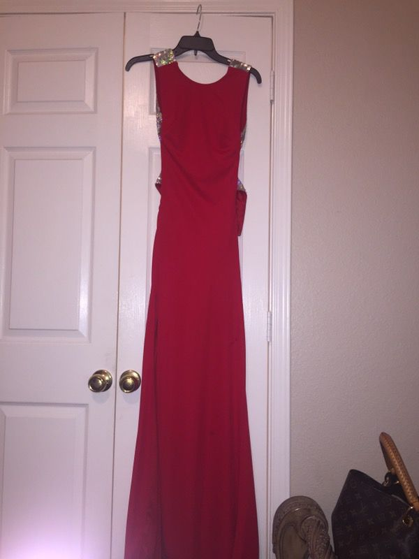 Red Prom Dress Paid 500 Asking 150 Needs Some Bead Reinforced