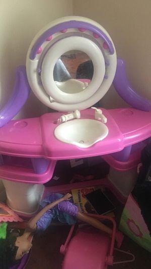 Kids vanity