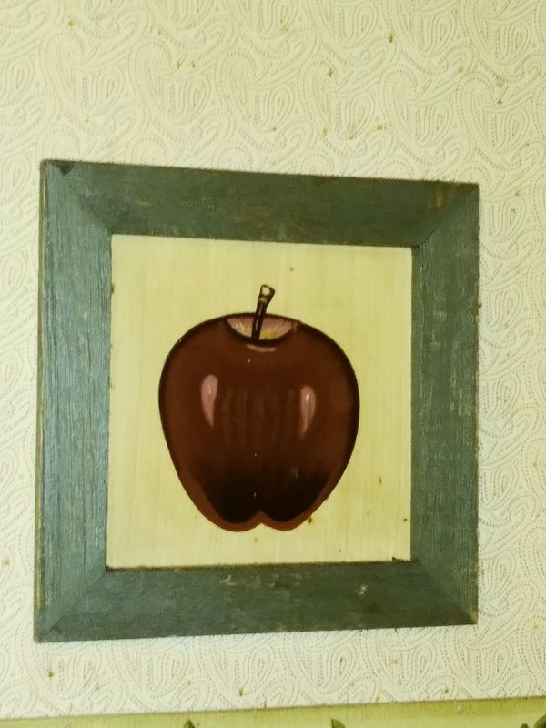 Apple wall decor small (Home & Garden) in Georgetown, KY