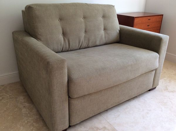 Crate Barrel Allerton Twin Sleeper Sofa like new Furniture in