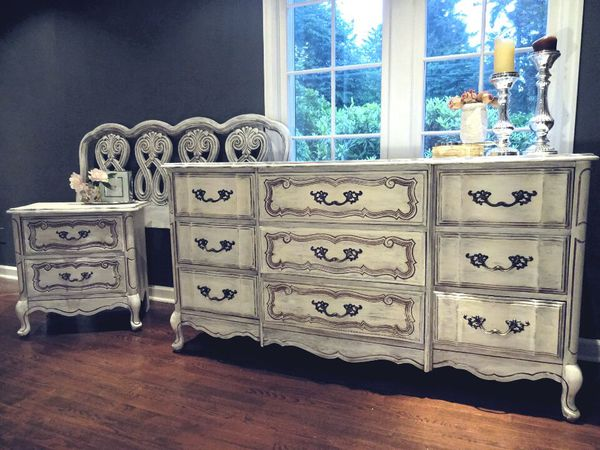 Stunning french bedroom set furniture in lakewood wa for Bedroom furniture 98409