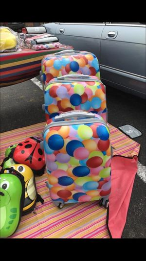 """New 3 PCs luggage light weight set including a 29"""", 25"""", and 20"""""""