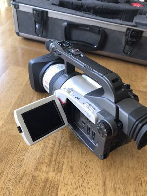 Canon 3CCD Digital Video Camcorder
