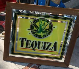 🎄BEAUTIFUL ORIGINAL VINTAGE TEQUIZA SIGN MIRROR WITH WOOD FRAME WITH ORIGINAL DESIGN IN GREAT CONDITION FOR $30