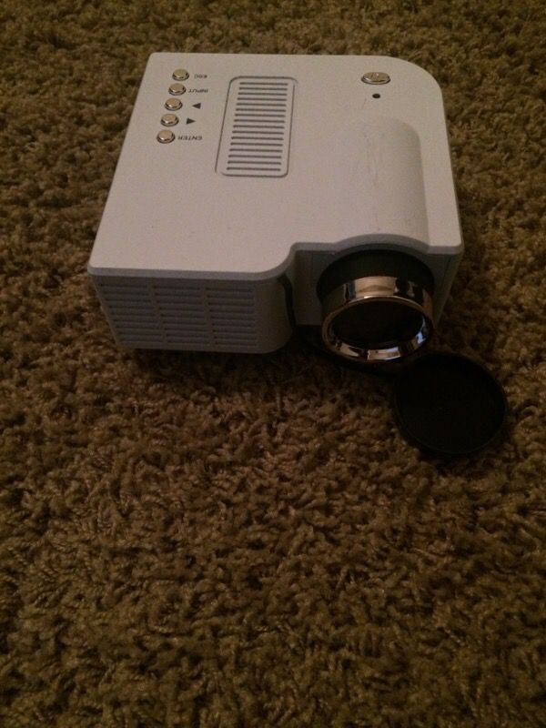 Led projector for iphone and ipad household in everett for Led projector ipad