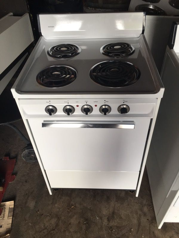 Apartment size stove (Appliances) in Fairfield, CT - OfferUp