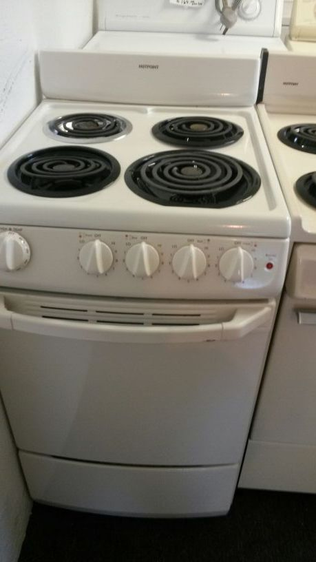 Apartment size stoves..Excellent condition (Appliances) in Daytona ...