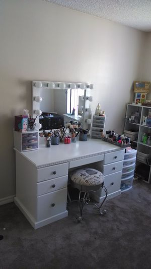 Best 10+ new and used Makeup vanity for sale in El Cajon, CA - OfferUp